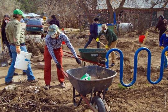 Jamestown_Flood_Volunteers (1)