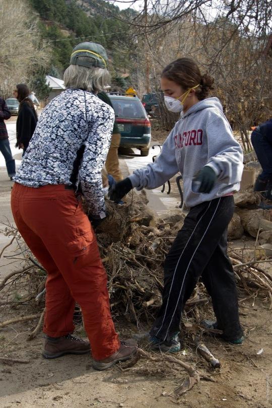 Jamestown_Flood_Volunteers (10)