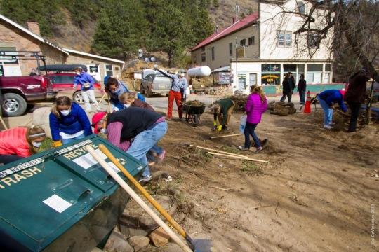 Jamestown_Flood_Volunteers (5)